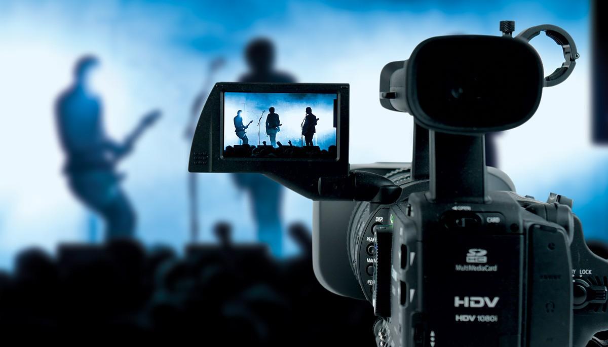 Hãy định vị máy quay trước khi lựa chọn góc quay phim đẹp